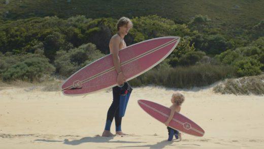 pub-bebe-surfeur-buzzez-la-pub-2016